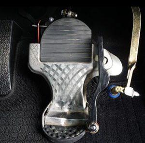ワンペダルはブレーキとアクセルの踏み間違い防止!?デメリットは?